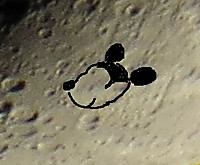 141029_1837mickey_mouse_moon2_2
